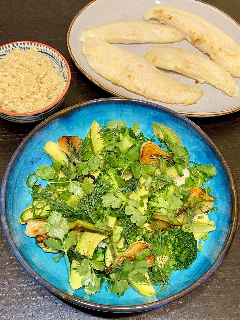 Nyelvhal egy különleges salátával